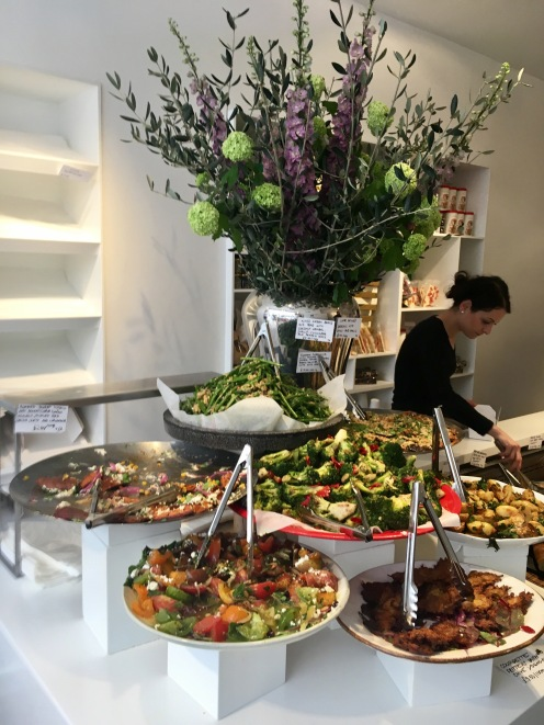 Salads and Veggie dishes, served by weight