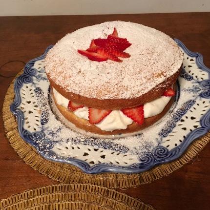 Chez Nous Dinners, Daria Souvorova, Victoria Sandwich Cake