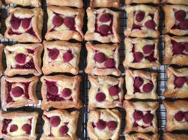 Chez Nous Dinners, Daria Souvorova, Memorial Day Cookout, Raspberry Hand Pies